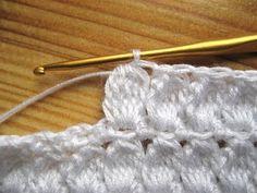 Dolce e Gabbana cardigan - stitch Gilet Crochet, Crochet Ripple, Crochet Fabric, Crochet Jacket, Crochet Diagram, Love Crochet, Crochet Motif, Beautiful Crochet, Irish Crochet