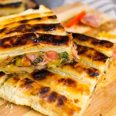 Bacon Braai Pie Braai Recipes, Baby Food Recipes, Meat Recipes, Cooking Recipes, Recipies, Braai Pie, Bbq, Feel Good Food, South African Recipes