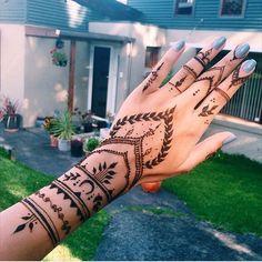100 Best Ideas: Henna Tattoo For Girls 100 Best Ideas: Hen . - 100 best ideas: henna tattoo for girls 100 best ideas: henna tattoo for girls - 16 Tattoo, Henna Tattoo Hand, Henna Mehndi, Henna Art, Mandala Tattoo, Cute Henna Tattoos, Paisley Tattoos, Mehendi, Henna On Hand