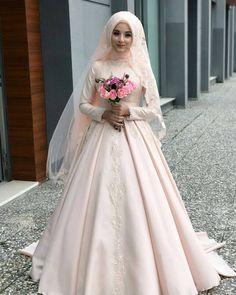 Inspired by @setrinurbursa  . . . . . . . Tag sahabat tersayangmu yah..semoga bermanfaat.. . Cari dekorasi rumah?  @desainrumahmasakini . #inspirasipengantinmuslim #muslimahbride #muslimah #bridesmaids