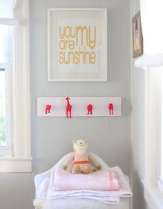 DIY NEON ANIMAL HOOKS (via http://sayyes.com/2013/11/diy-neon-nursery-wall-hooks.html)