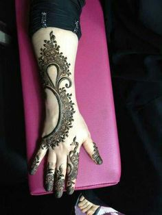 #asianwedding #mehndi book the best henna artists for your #wedding at www.yourdreamshaa...
