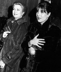 Princess Grace and daughter Princess Caroline leaving make-up maven Estee Lauder's apartment holding presents they received from her. Grace Kelly Style, Princess Grace Kelly, Philippe Junot, Steel Magnolias, Bright Skin, Jennifer Lopez, Her Style, The Past, Daughter