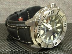 I am appealing to all diver watches fans and people who is searching for really and truly great deal for reasonable sum of money. Since I was large size and heavy timepieces fan (now with the age I...
