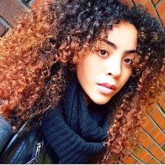 "REDUCED TO £30 !! #OmbreWig #KinkyCurly #CurlyHair https://www.etsy.com/uk/listing/255782864/sale-high-heat-human-feel-synthetic-afro  1b OFF BLACK into #30 Burnt Amber approx 18"" when stretched"