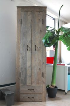Meer dan 1000 idee n over kleine kledingkast op pinterest kleerkasten zolderkamers en kast - Kleine kledingkast ...