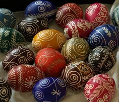 Xmas Feel of Easter Eggs |  Olga Tikhonovna | Lemky-style pysanky | Flickr - Photo Sharing!