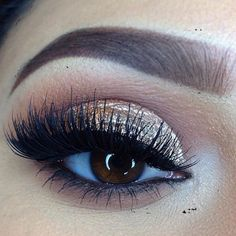 Love this @mindy_espii look! Great for the holidays! Keep following and entering for our MAC Cosmetics giveaway! #bdmakeup #bdmakeupgiveaway #makeup #MAC #macgiveaway #maccosmetics #makeupartist #beautiful #higlight #eyelure #vegas_nay #browsthatwow #holiday #eyeshadow #goldshimmer