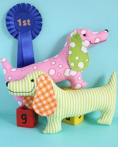 Best in Show sausage dog mini PDF sewing pattern for by ricracsews