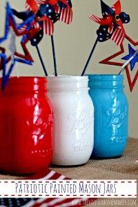 Painted Mason Jars Patriotic Centerpiece - The Happier Homemaker