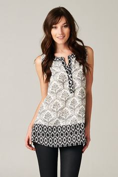 Beautiful Black & White Print Tunic.