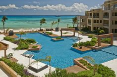 EL FARO luxury condos; oceanfront, onsite restaurant, beach massages, spacious, right in Playa steps to 5th aven. Fall sale! www.playabeachgetaways.com