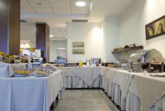 Desayuno Buffet en el Hotel Canelas***
