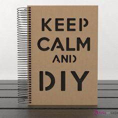 Cuaderno fabricado con tapas de madera