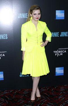 Abigail Breslin, yellow dress. <3