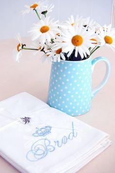 Verdens beste brød Whimsical, Polka Dots, Cath Kidston, My Love, Random Things, Pretty, Cottage, Ceramics, Tea