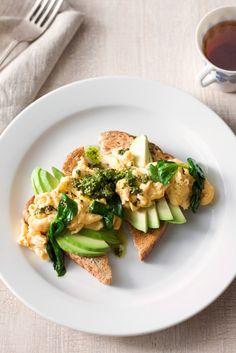 Pesto scrambled eggs with spinach and avocado  http://www.avocado.org.au/recipes/pesto-scrambled-eggs-spinach-and-avocado?utm_source=facebook.com/australianavocados&utm_medium=facebook&utm_content=141229-post-0700-pesto-eggs&utm_campaign=q2-14-facebook