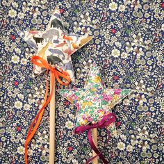 Happy Monday everyone!  Packaged these lovely sets up last night, I love making these birthday sets up for you! #libertycrown #libertyprint #libertyfabric #libertyaddict #sewliberty #birthdayset #libertyfabriccrown #fabriccrown #libertyprintwand #wands #magical #magicalchildhood #roleplay #imaginative