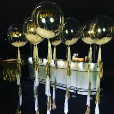 White feather and gold glitter filled clear balloons attached to white and gold tassel tails for a glam LA night party Glitter Balloons, Clear Balloons, Bubble Balloons, Giant Balloons, Confetti Balloons, Bubbles, Wedding Balloons, Birthday Balloons, Balloon Decorations
