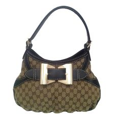 From MTYCI - Gucci Shoulder Bag with Bow
