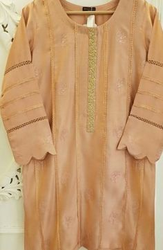 Dress Neck Designs, Kurti Neck Designs, Kurta Designs Women, Stylish Dress Designs, Designs For Dresses, Sleeve Designs, Pakistani Fashion Party Wear, Pakistani Dresses Casual, Pakistani Dress Design