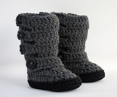 This is a crochet pattern for our baby moto boots. These are a taller style boot that are made to look like a baby version of motorcycle boots. Super cute and stylish!