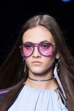 TRENDING: Rose-colored lense aviators. Versace Spring 2017. Zippertravel. #DrStyle