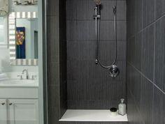Tiled showers - tips and ideas for unique designs Grey Bathroom Tiles, Grey Tiles, Diy Bathroom Decor, Grey Bathrooms, Bathroom Ideas, Tile Walk In Shower, Tiled Showers, Contemporary Bathroom Designs, Large Shower