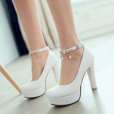 Weiße runde Zehe Chunky Strass Kette Buckled Mode hochhackige Schuhe