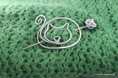 Kitty Cat Pin for Shawls, Sweaters, Scarves, Jackets, Wraps, Cat Pin, Shawl Pin, Knitted Shawl Pin, SP27 by leisab on Etsy https://www.etsy.com/listing/501656797/kitty-cat-pin-for-shawls-sweaters
