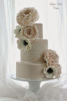 Lace Wedding Cakes ~  Leslea Matsis Cakes | bellethemagazine.com