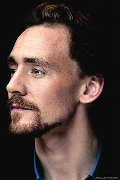 Tom Hiddleston. (Edit by Larygo.Tumblr)