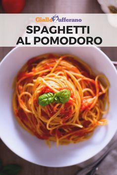 Spaghetti al pomodoro Spaghetti Al Pomodoro, Sauce Spaghetti, Salty Foods, Pasta Recipes, Italian Recipes, Vegan Vegetarian, Risotto, Ethnic Recipes, Europe