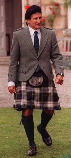 Robin Williams - Kilt and Tweed jacket