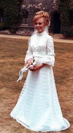 1969 bride   http://vintagebrides.tumblr.com/post/56247698924/1969-bride