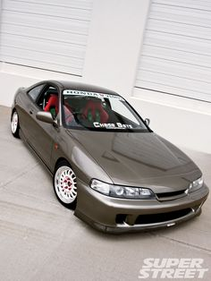 Honda Integra Si......honda integras are better :o