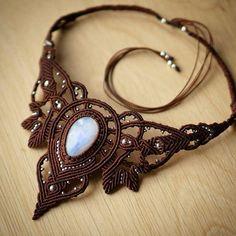 Necklace with moonstone #macrame #micromacrame #svitoe #boho #bohemian #beauty #handmade #jewellery #bijoux #necklace #natural #stone #moonstone #brown #white #custom #work