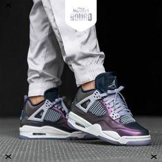 cheap for discount c0462 abe4e RELEASE 09 00 🤩💜Kan jij deze hele stoere Nike Air Jordan 4 Retro