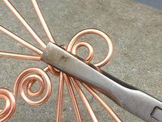 Dragonfly Pendant Wire Wrap Tutorial by TutorialShop on Etsy Wire Jewelry Rings, Wire Jewelry Designs, Handmade Jewelry, Jewelry Ideas, Jewlery, Jewelry Patterns, Copper Jewelry, Bead Patterns, Copper Wire