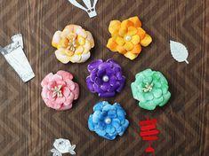 Pentru că ne place să împărtășim experiențele noastre, vă propune nu doar produse handmade, ci și resurse pentru creație. Ele  pot fi folosite la confecționarea articolelor handmade de către Dvs. Paper Flowers, Handmade, Handmade Paper Flowers, Hand Made, Handarbeit