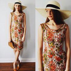 Classic 1950's Floral Dress!
