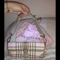 100% Authentic Burberry Bag!! Gorgeous Burberry Bag!! 100% Authenticity Guaranteed! Beautiful Burberry Plaid, Chek in Nuetrals! Burberry Bags Shoulder Bags
