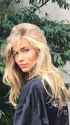 Golden Blonde Balayage for Straight Hair - Honey Blonde Hair Inspiration - The Trending Hairstyle Hair Inspo, Hair Inspiration, Light Blonde Hair, Girls With Blonde Hair, Light Blonde Balayage, Blond Girls, Golden Blonde Hair, Blonde Women, Dark Blonde