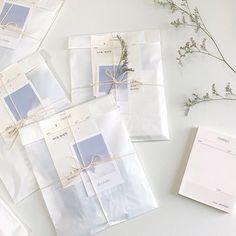 Cute Packaging, Jewelry Packaging, Pen Pal Letters, Diy Gifts, Handmade Gifts, Blue Aesthetic, Japanese Aesthetic, Korean Aesthetic, Mail Art