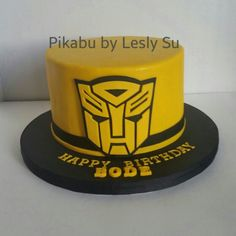 """Transformers cake """"Bumblebee"""" Pikabu by Lesly Su ---'http://instagram.com/p/uR7QWRnNPD/"""