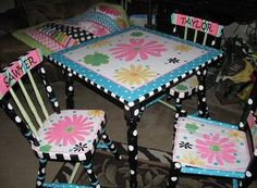 Justjeannes.com painted table and chairs