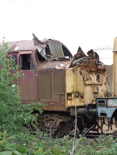 Abandoned Train, Abandoned Cars, Abandoned Vehicles, Uk Rail, Metal Processing, End Of The Line, British Rail, Train Pictures, Electric Locomotive