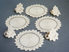 Crochet Napkin Rings Flower Medallion with band от TableTopJewels
