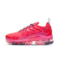 """Discover the """"Pinnacle of Air"""" and step into the future with VaporMax shoes. Nike Shoes Blue, Cute Nike Shoes, Nike Air Shoes, Nike Tennis Shoes, Air Max 97, Nike Air Max, Work Sneakers, Sneakers Nike, Maroon Nike"""