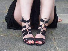 Fashion Love: BLACK SUMMER DRESS, FLOPPY HAT & HENNA TATTOO